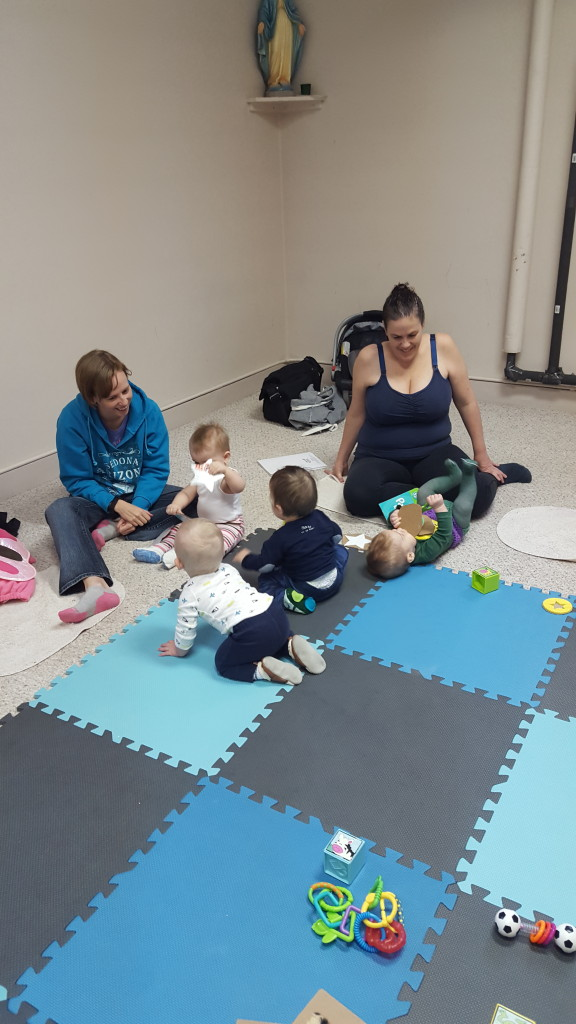 Mom and Baby Sign Language classes allow an opportunity for parents to meet others in the community and babies to play with each other in Saskatoon.